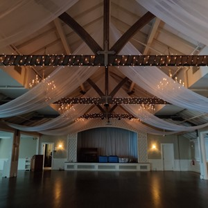 DesignLight Wianno Club wedding lighting and fabric